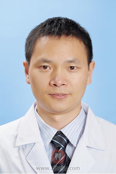 杭州种植牙医生何福明