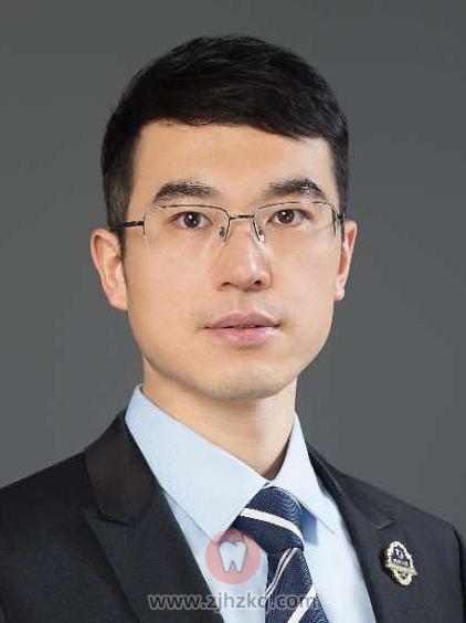 尚善口腔牙医刘磊