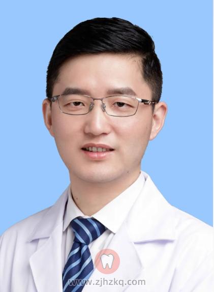 浙大口腔医院种植牙医生杨国利
