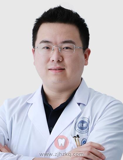杭数口腔种牙医生王冬